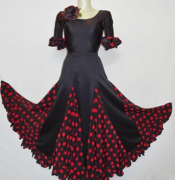 Lady sevillane and flamenco skirt